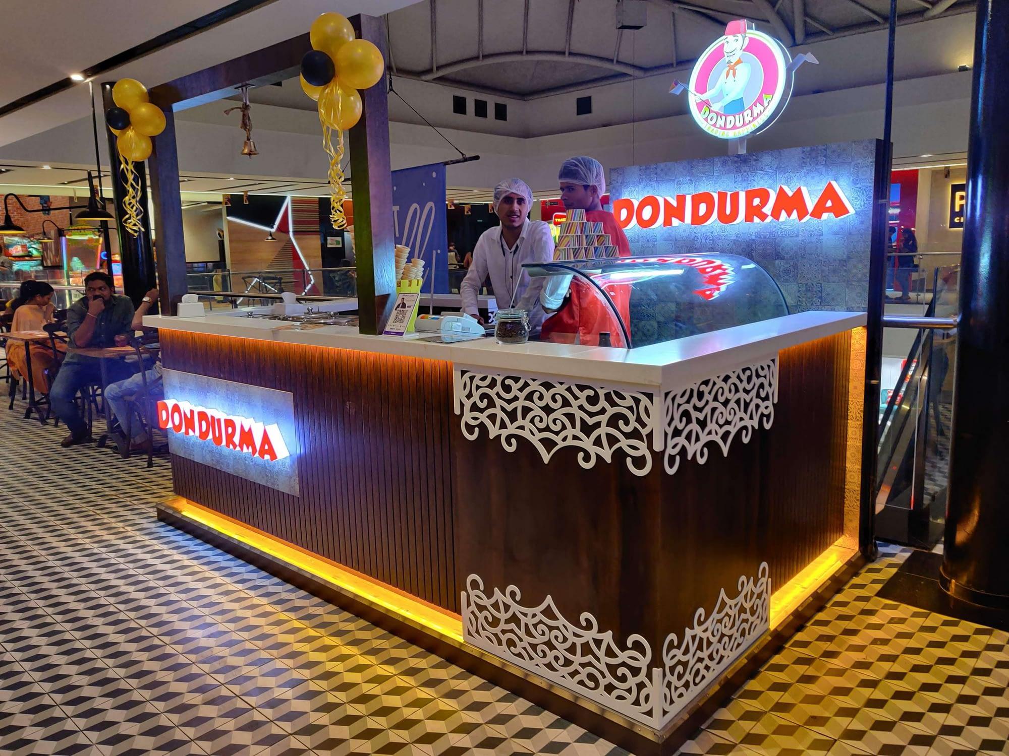 Dondurma Turkish Ice Cream Kiosk - View 05